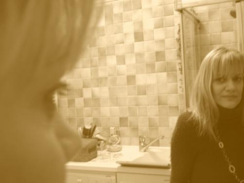 io nello specchio e in una _