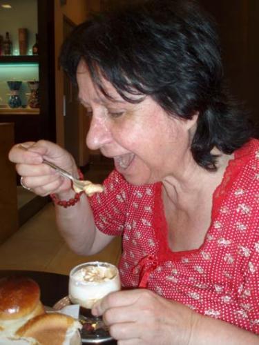 Mimma e la granita di caffè con panna