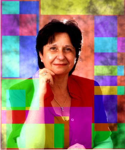 La bella pensionata fra mille colori