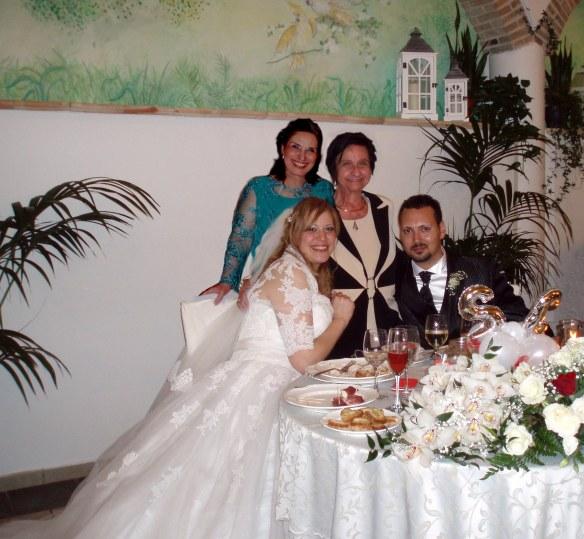 Mimma e Iole al tavolo degli sposi 2