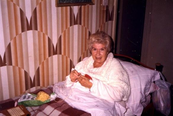 Nonna Maria lavora